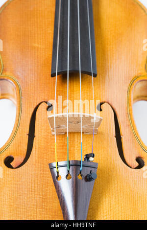 Close up d'un violon montrant le pont. Banque D'Images