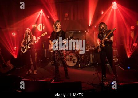 La grande lune effectuer à Radio 1's'Avenir des vedettes de la musique live Event à Maida Vale Studios, Londres. Banque D'Images