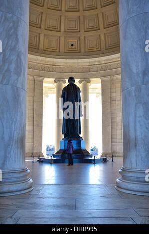 WASHINGTON DC - Interne de Thomas Jefferson Memorial avec la silhouette de la statue. Banque D'Images