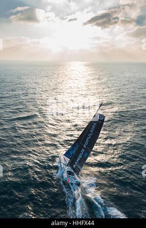 Yacht de course Vendée Globe 2017: Armel Le Cléac'h à bord du monocoque Banque Populaire VIII voile (2017/01/19) Banque D'Images