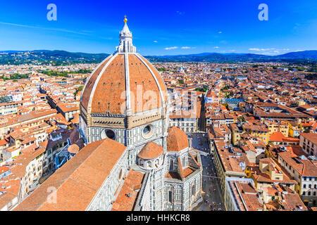 Florence, Italie. Vieille ville et de la basilique Santa Maria del Fiore (Basilique de Sainte Marie de la fleur). Banque D'Images