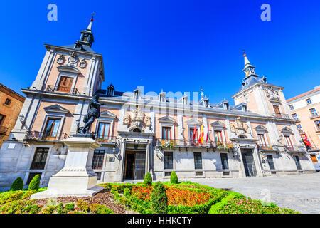 Madrid, Espagne. La Plaza de la Villa dans la vieille ville. Banque D'Images