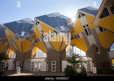Maisons cubes cube, l'architecture, l'architecte Piet Blom, Blaak, Rotterdam, Hollande, Pays-Bas Banque D'Images
