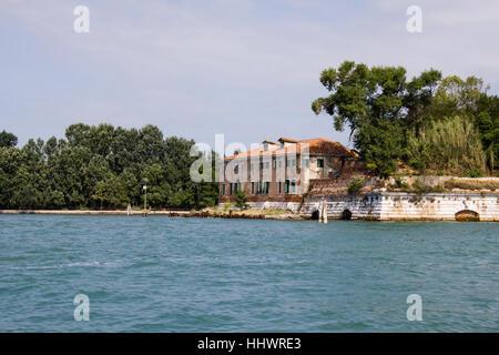 École italienne situé à côté de la mer, Venise Banque D'Images