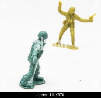 Deux petits soldats en plastique Banque D'Images