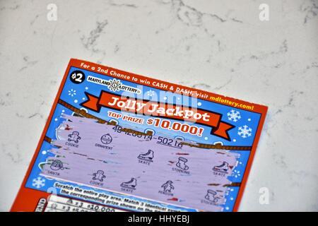 Un billet de loterie sur une surface cuisine