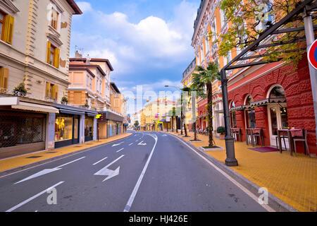 Ville d'Opatija, sur la rue historique de la baie de Kvarner, Croatie Banque D'Images