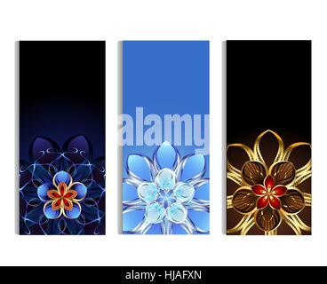 Trois bannière verticale ornée d'or et l'argent résumé avec fleurs bleu, brun et fond clair Banque D'Images