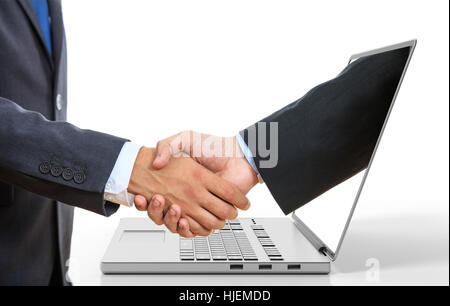 Le rendu 3D men shaking hands à travers un écran d'ordinateur portable sur fond blanc Banque D'Images