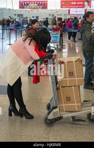 L'enregistrement des passagers à l'Aéroport International de Heping, Yinchuan, Chine Banque D'Images