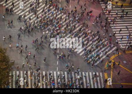 Paysage urbain, Shibuya Scramble Kousaten crossing à Hachiko square, Tokyo, Japon Banque D'Images