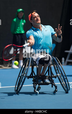 Melbourne, Australie. 28 janvier, 2017. Gustavo Fernandez de l'Argentine renvoie la balle pendant le fauteuil roulant Banque D'Images