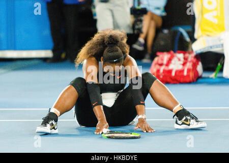 Melbourne, Australie. 29 janvier, 2017. Serena Williams, de l'USA après l'matchball contre sa soeur Venus Williams Banque D'Images