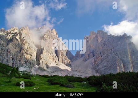 Le sommet de l'un de Cristallo, le plus haut sommet dans les Dolomites. Italie Banque D'Images