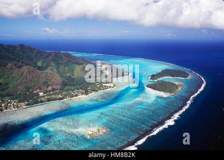 Hauru Point, Motu Fareone, Motu Tiahura, Mo'orea, vue aérienne, îles de la société, Polynésie française. Banque D'Images