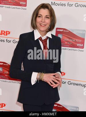 Los Angeles, USA. 08Th Feb 2017. Wendie Malick arrivant à la 16e Conférence annuelle de l'AARP Magazine's films Banque D'Images