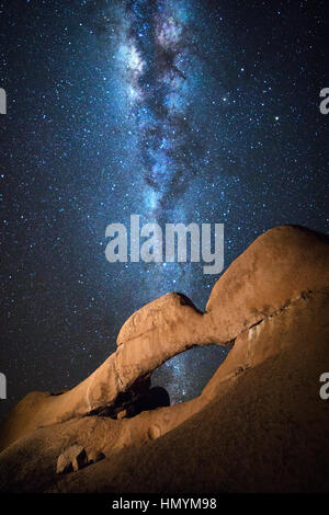 Détails de la Réserve Naturelle du Spitzkoppe en vertu de la Voie lactée, la Namibie. Banque D'Images
