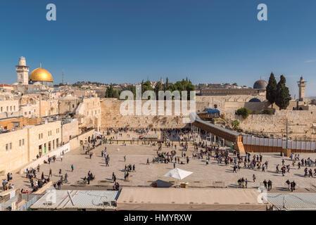 Mur des lamentations et Dôme du rocher d'or sur le mont du Temple, Jérusalem, Israël. Banque D'Images