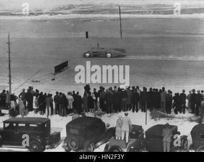 Bluebird sur courir à Daytona 1935, Malcolm Campbell Banque D'Images