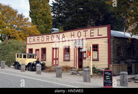 Wanaka, Nouvelle-Zélande - 14 Avril 2013: Hôtel Cardrona historique construit en 1863 près de la ville de Wanaka. Banque D'Images