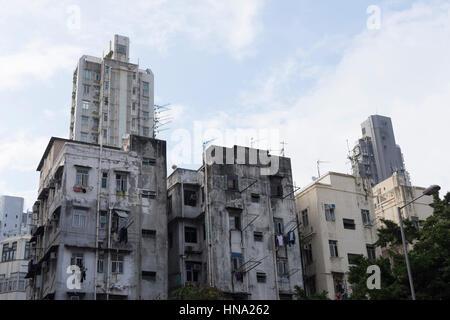 Ancien gratte-ciel du quartier de Mong Kok à Hong Kong Banque D'Images