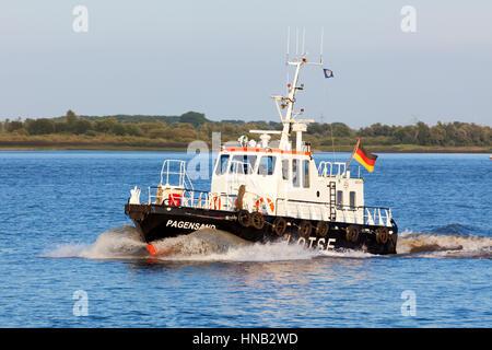 Stade, Allemagne - le 30 août 2016 bateau-pilote allemand: PAGENSAND sur l'Elbe Banque D'Images