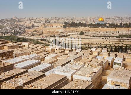 Monter, les olives, le cimetière juif et Jérusalem, ville du mont des Olives, Jérusalem, Israël. Banque D'Images