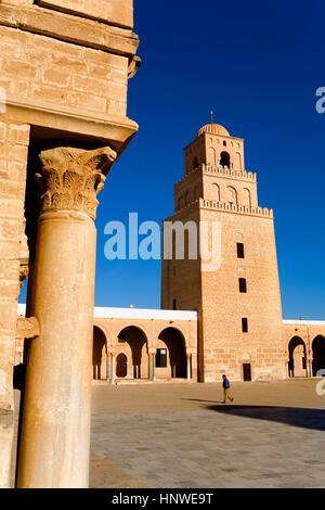Tunez: Kairouan.la grande mosquée.cour. mosquée fondée par sidi uqba au Vième siècle est le plus ancien lieu de Banque D'Images