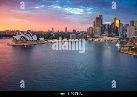 Ville de Sydney. Cityscape image de Sydney, Australie pendant le lever du soleil. Banque D'Images