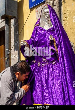 La Santa Muerte, Saint Mort, Emiliano Zapata street à Jésus Maria street, Mexico, Mexique Banque D'Images