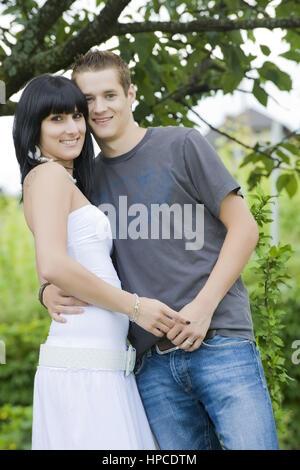 Parution Junges Liebespaar modèle ,, 20+ - jeune couple amour Banque D'Images