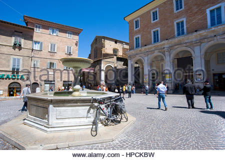 Piazza della Repubblica,urbino Banque D'Images