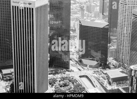 Los Angeles, États-Unis - 27 mai 2015: Détail de l'horizon du centre-ville de Los Angeles avec la Banque d'Amérique Banque D'Images
