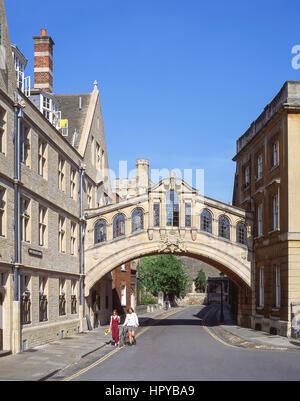 Le Pont des Soupirs (Hertford Bridge), New College Lane, Oxford, Oxfordshire, Angleterre, Royaume-Uni Banque D'Images