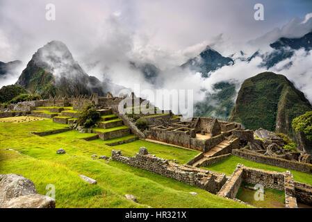 MACHU PICCHU, au Pérou - 31 MAI 2015: Vue de l'ancienne cité inca de Machu Picchu. Le 15-ème siècle site Inca.'ville Banque D'Images