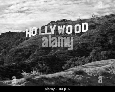 Los Angeles, Californie, USA - Septembre 29, 2010 : Le célèbre Hollywood Sign in popular Griffith Park. Banque D'Images