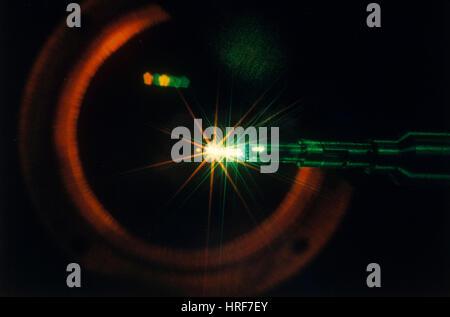 La création d'étoiles de taille Pin-Point Laser Banque D'Images