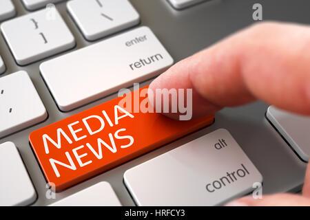 Doigt appuyant sur l'homme des médias Nouvelles Orange sur clavier Clavier en aluminium. 3D. Banque D'Images
