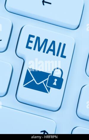 L'envoi d'e-mail crypté email protection internet courrier sécurisé en ligne lettre symbole web Banque D'Images