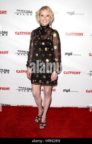Los Angeles, Californie, USA. 2e Mar, 2017. Anne Heche aux arrivées de CATFIGHT Premiere, Cinefamily Theatre, Los Banque D'Images