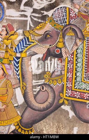 Représentation d'un éléphant à partir d'un morceau de l'art de mur dans le centre d'Udaipur, Inde, affichant un Banque D'Images