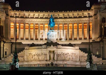 Monumento di Vittorio Emanuele, Via Teatro Marcello, Rome, Italie Banque D'Images