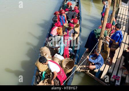 Myanmar (ex-Birmanie). Lac Inle. L'état Shan. Les femmes de l'ethnie PA-O Banque D'Images