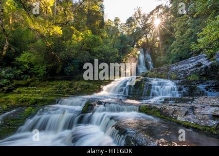 Cascade de McLean, Sun Star, The Catlins, Otago, Nouvelle-Zélande, Southland Banque D'Images