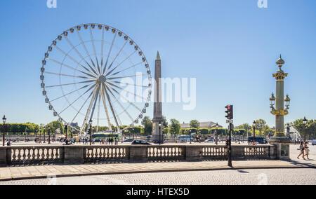 France, Paris, Place de la Concorde, Grand Carousel Feries roue et l'Obélisque de Louxor Banque D'Images