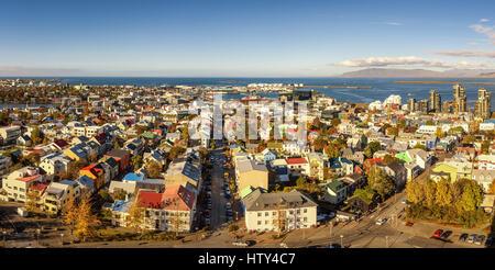 Panorama de Reykjavik en Islande vue depuis le dessus de l'église Hallgrimskirkja Banque D'Images