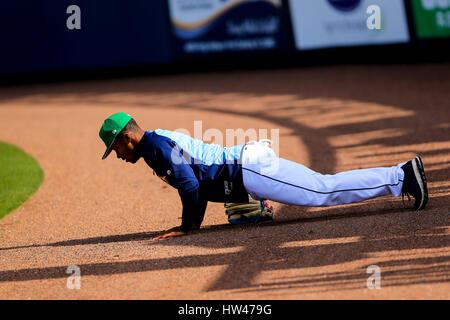 Port Charlotte, en Floride, aux États-Unis. Mar 17, 2017. Vous VRAGOVIC   fois.Rays de Tampa Bay outfielder Mallex Banque D'Images