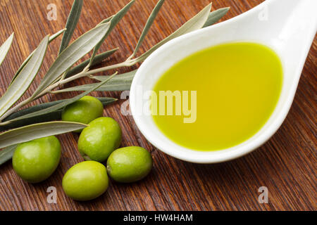 L'huile d'olive extra vierge. Andalousie, Espagne du sud Europe Banque D'Images