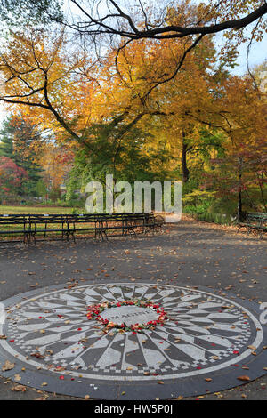 USA, New York, Manhattan, Central Park, champs de fraises, imaginez Mosaic Banque D'Images