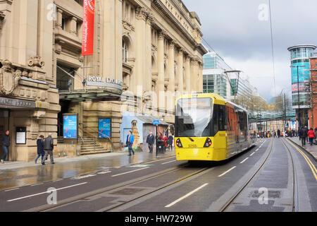 Sur le tramway Metrolink a récemment ouvert, Rue de la section. Banque D'Images